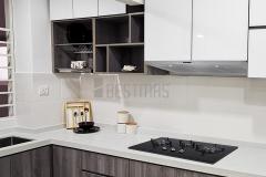 U-shape 5G Glass Door Kitchen Cabinet and Quartz Stone Table design