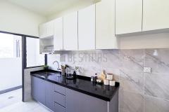 7.-I-shape-5G-Glass-Door-and-Quartz-Stone-Table-Kitchen-Cabinet-design