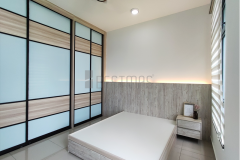 Master Bedroom with Antijump Sliding Door and King Size Bedset design